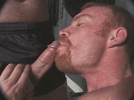 Gay Bears Hairy : hairy guy workout becomes making blowjob off!