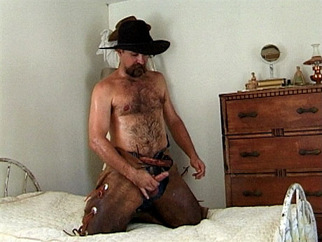 Gay Bears Hairy : Concupiscent cowboy jerks off on his hat!