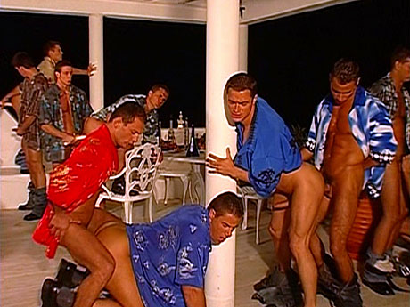 Gay Muscle Men : Strong party men engulf and bang!